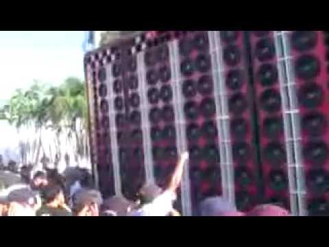 Racha de Gigantes Caminhao treme-tudo vs Caminhao tre-treme