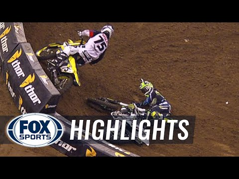 Ryan Villopoto Crash @ 2014 Supercross Houston