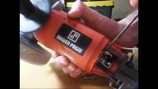 Cambiar los carbones de amoladora manual