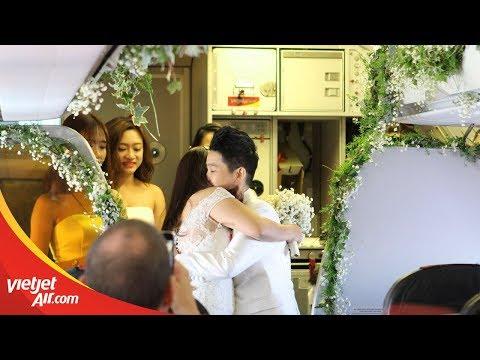 Celebrate same sex marriage at 12,000m high/Đám cưới đồng tính ở độ cao 12,000m.