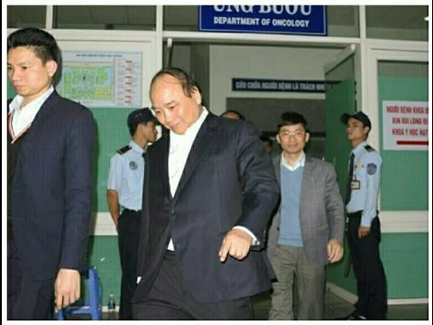 Phó thủ tướng Nguyễn Xuân Phúc vào bệnh viện thăm ông Nguyễn Bá Thanh