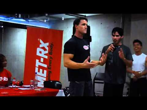 Rueda de Prensa con Greg Plitt y el equipo de MET-Rx