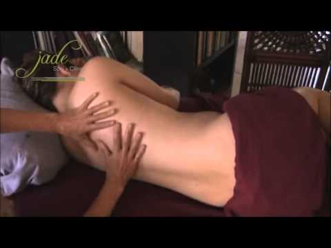 Massage ba bau phan lung  Jade Spa 125 Thai Thinh, Dong Da, HN