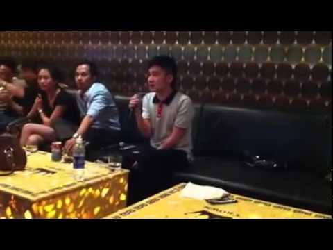 [LIVE] Ca sĩ Quang Hà hát karaoke trong quán nhậu