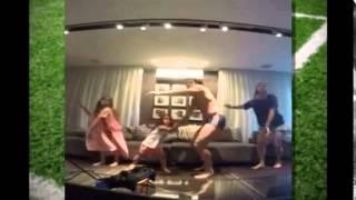 O atacante Fred do Fluminense postou no Instagram um vídeo em que dança com a família ao som de Bob Marley. Junto do vídeo, a mensagem: