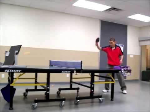 Training and Practicing Table Tennis (Ping Pong) with Return Board [ 乒乓球训练 -- 回球板 ]