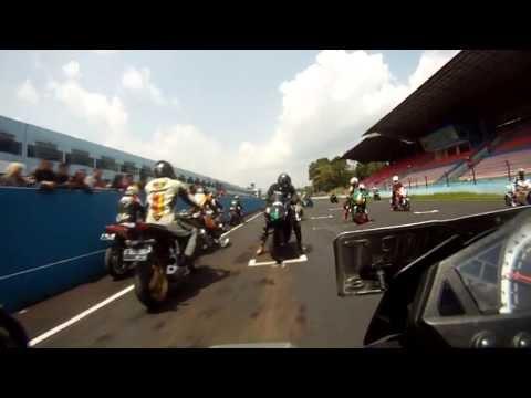 Kawasaki Z 250 - Practice/Race in Sentul - 18 August 2013 - Funrace