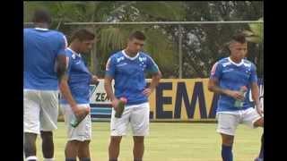 Zaga do Cruzeiro pode ganhar cara nova