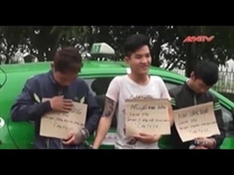 3 tên cướp taxi cười đùa kể lại hành vi phạm tội