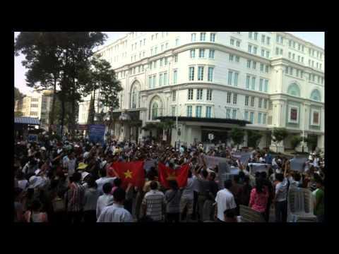 Video và Hình Ảnh đầu tiên của biểu tình ngày 9-12-2012