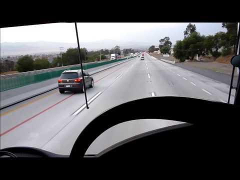 Autobús Estrella Roja Aeropuerto entrando a México DF