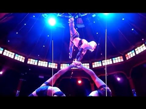 Spiegelworld 'Empire' Show - Girls Acrobatics