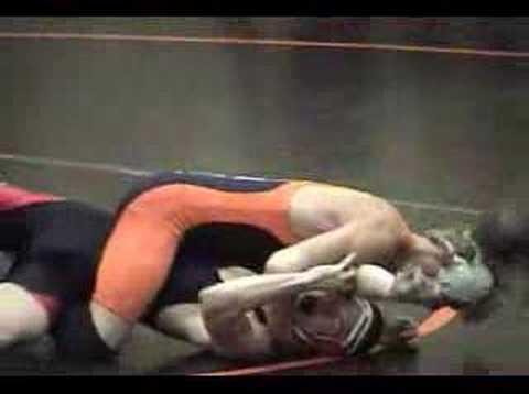 Weibliche Bodybuilderin übt Nackt Wrestling Aus, Was