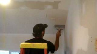 Paul Neumann Texturing Drywall Ceiling With Plastic Bag