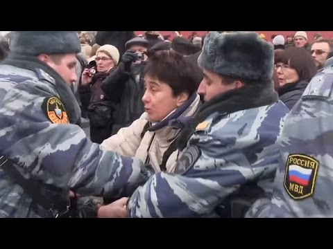 Anti war protests in Moscow to support Crimea and Ukraine
