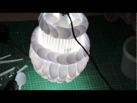 How to make your own diy lamp made from plastic spoons for Diy spoon lamp