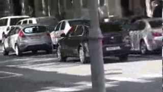 Mașină de Parlament încalcă legile frecvent