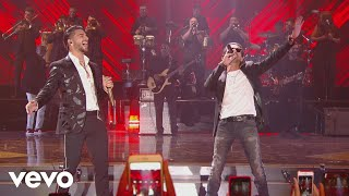 Maluma - Felices los 4 (Premios Juventud 2017) ft. Marc Anthony