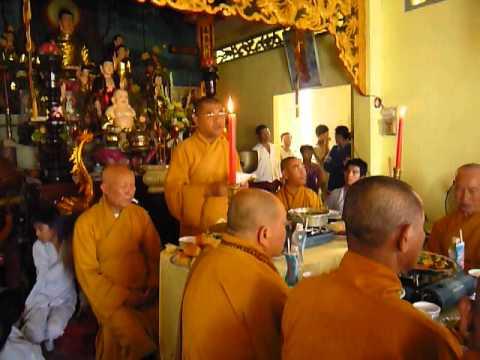Chua Buu Kim le trai tang cau sieu 1(49ngay cua cu ba VO THI THANH 2012)
