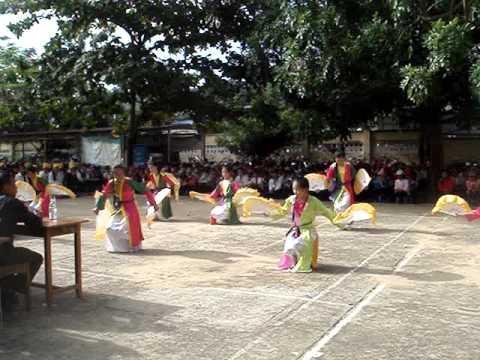 Múa quạt Quê tôi - 8A Family - tổng kết năm học 2012-2013 ( Trường THPT Khánh Sơn)