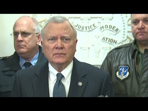 Atlanta Gov. Nathan Deal apolgizes for