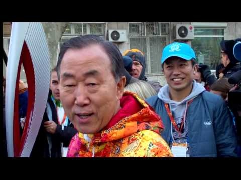 Ban Ki-moon participates in Olympic torch relay ahead of Sochi Games