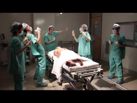 Hậu trường Cô dâu đại chiến 2 - Vân Trang nhảy múa trong bệnh viện