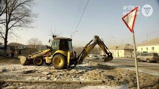 Прорыв трубы центрального водопровода на улице Кирова
