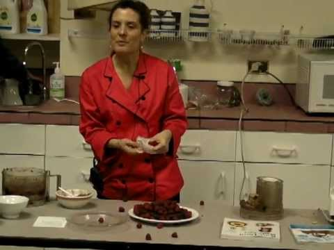 Raw Food Dessert: Flourless Chocolate Cake