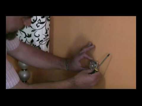 C mo colgar un cabecero en la pared youtube - Como tapizar un cabecero ...