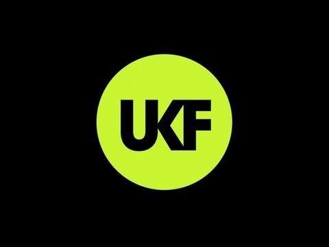 Andrew Bayer & Matt Lange - In Out Of Phase (Ft. Kerry Leva) (Calyx & TeeBee Remix)