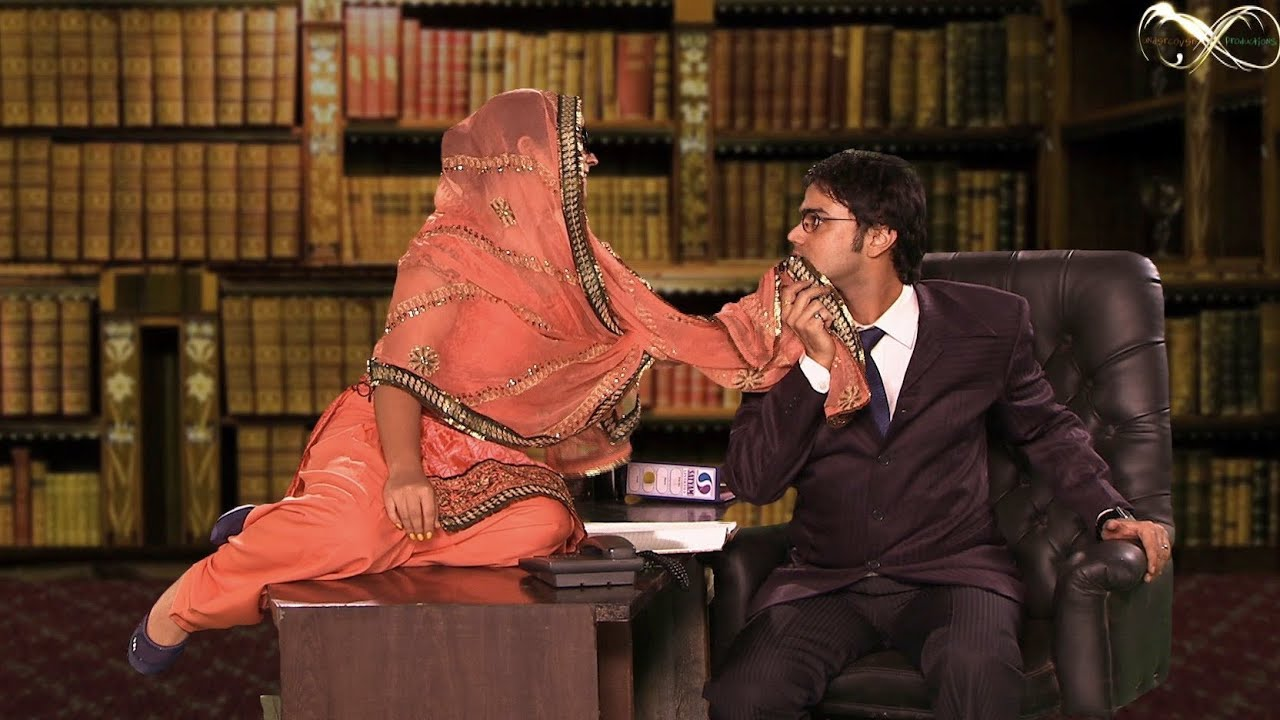 Hina Rabbani Khar Hot Kiss