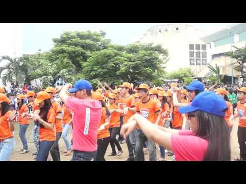 Thi nhảy bài Bay của HS lớp 12 - Kỷ niệm 60 năm trường THPT Phan Châu Trinh