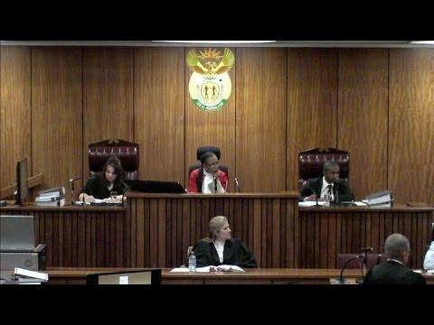 Ex-namorada afirma que Pistorius andava armado