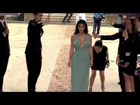 Kim Kardashian creates the biggest chaos ever at Valentino Haute Couture in Paris