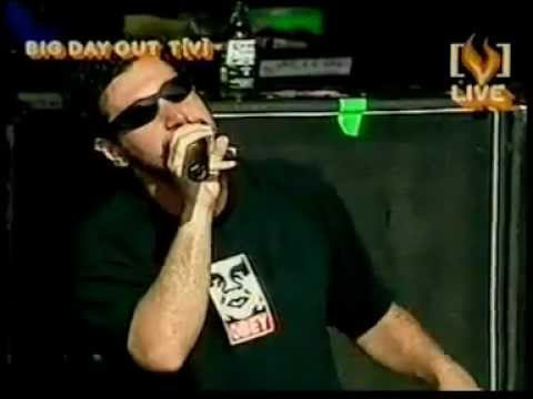 System Of A Down - Chop Suey! Live In Syndey, Australia 2002-01-20