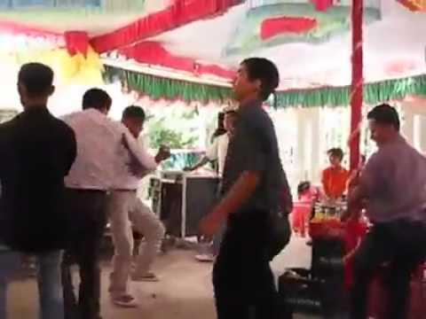 Đám cưới Việt Nam - Quẩy lên =)))