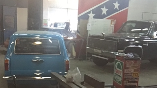 Прямо из гаража.. Музей ретро автомобилей СПБ.