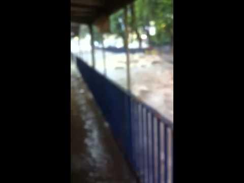 Vídeo Chuvas fortes causam estragos em São Carlos e região