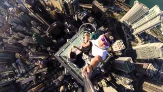 Crazy Selfie From Hong Kong Skyscraper