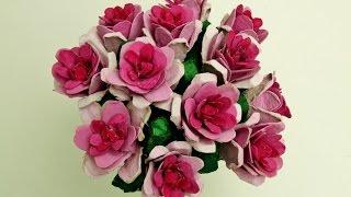 Cómo hacer flores con hueveras de cartón recicladas