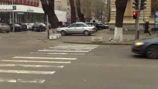 RM P 018 staționează ilegal pe bulevardul central