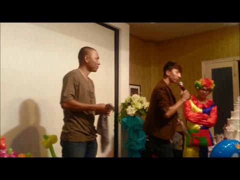 Tuấn Milo diễn ảo thuật lột áo lót khán giả trên sân khấu
