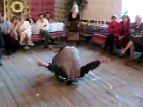 A gdyby tak... zatańczyć z krzesłem?!