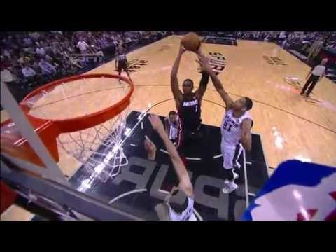 Chris Bosh with the Two-Handed Smash!