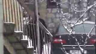 Mașina Guvernului e-n curtea lui și iarna. RM G 096