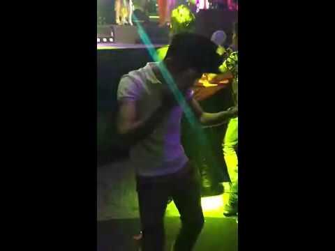 Hướng dẫn nhảy khi đi bar