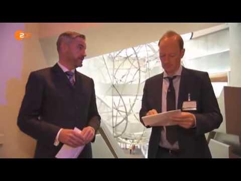 Heute-Show/Sonneborn rettet die Welt: Martin Sonneborn und die Deutsche Bank