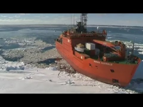 Subscribe to ITN News: http://goo.gl/zRYiYn An Australian ship is making its way to Antarctica to attempt to free a Russian vessel trapped in thick ice after earlier efforts by the Chinese failed. It is hoped the Aurora Australis will be able to free the MV Akademik Shokalskiy which has been marooned in thick ice for several days. If this attempt fails, those on board will be rescued by a Chinese helicopter which has already been to the site. Report by Thomas Magill.  Like us on Facebook: http://www.facebook.com/itn Follow us on Twitter: http://twitter.com/itn Add us on Google+: http://bit.ly/17z0Dpd  More stories from ITN: The Biggest News Stories of 2013: http://bit.ly/19ophtm The Weirdest News Stories of 2013: http://bit.ly/1ef1L1P The strangest news trend of 2013? Kids stuck in China: http://bit.ly/JwGp64 Incredible! Elephants play football in Nepal: http://bit.ly/1gfIjnx Edward Snowden\'s Alternative Christmas Message: http://bit.ly/1dcCt5J The Queen\'s Christmas Message 2013: http://bit.ly/1d8lhOI Man stops armed robber by wrestling him to the ground: http://bit.ly/1c0LVrJ Robot astronaut finally meets a human in space: http://goo.gl/fApB1i NYC taxi drivers release \