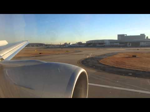 American Airlines 777-300ER Landing at Dallas Fort Worth (DFW)